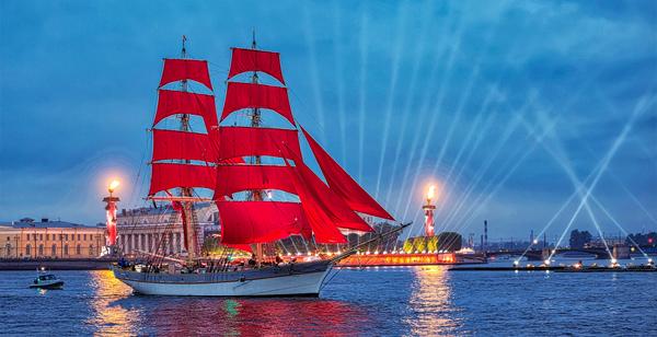 «Алые паруса»: история одной петербургской романтической ночи