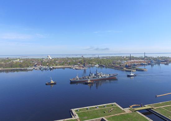 Боевой эсминец «Беспокойный» - cамый большой корабль-музей в России в Кронштадте