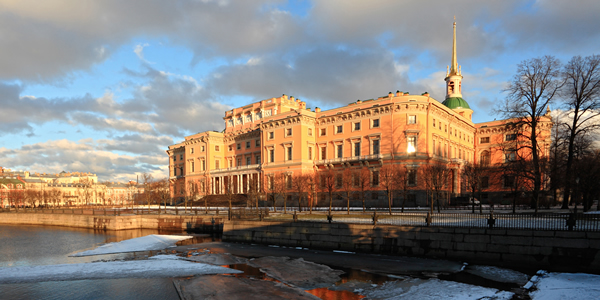 Михайловский (Инженерный) замок, Санкт-Петербург: обитель множества легенд и преданий