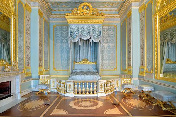 """Гатчинский дворец - """"средневековый замок"""" с русскими корнями"""