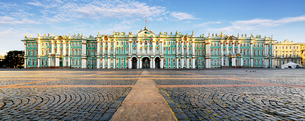 Что из себя представляет Зимний дворец в Санкт-Петербурге, Россия