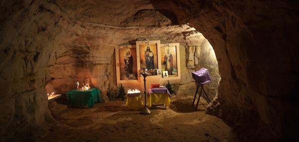 Саблино под Петербургом: живописные водопады, разломы каньонов и рукотворные пещеры, покинутые человеком на полвека и возрождённые вновь